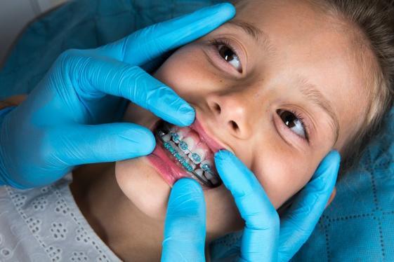 Laboratoire dentaire pour orthodontie à Liège et Bastogne